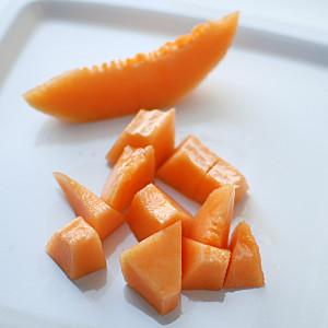 Cut the melon