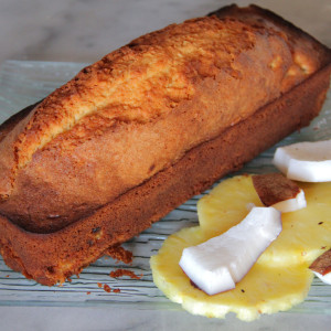 Sponge cake with coconut and pineapple