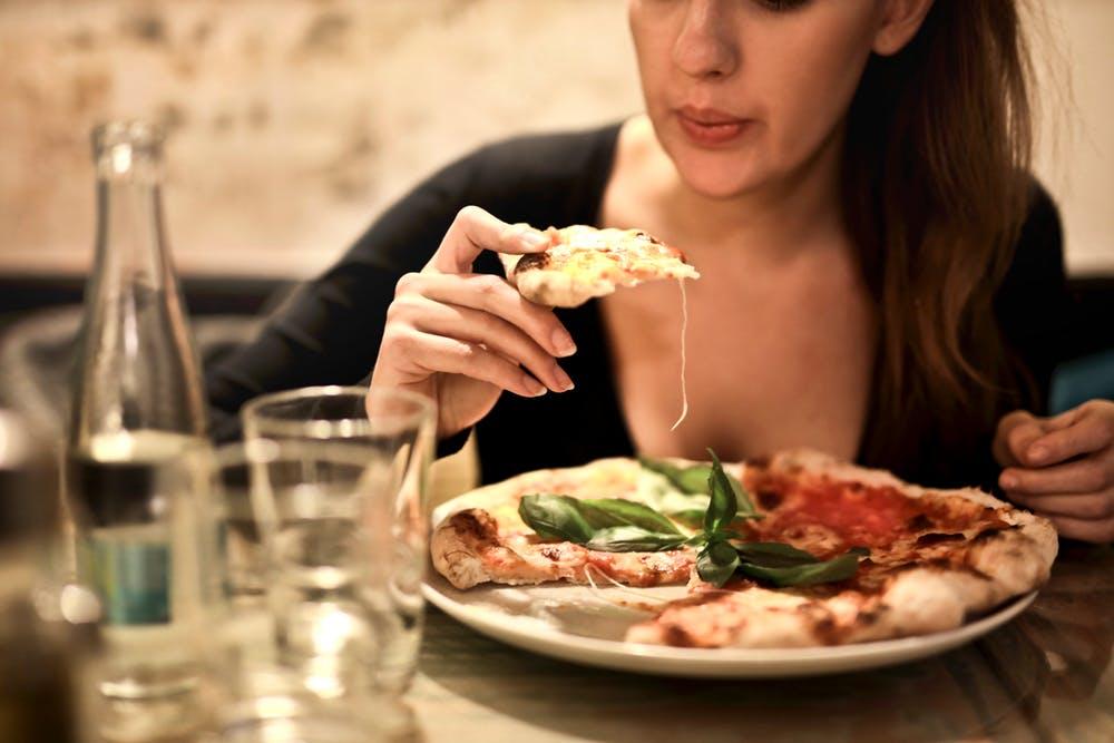pizza in teglia ricetta - MyItalian Recipes