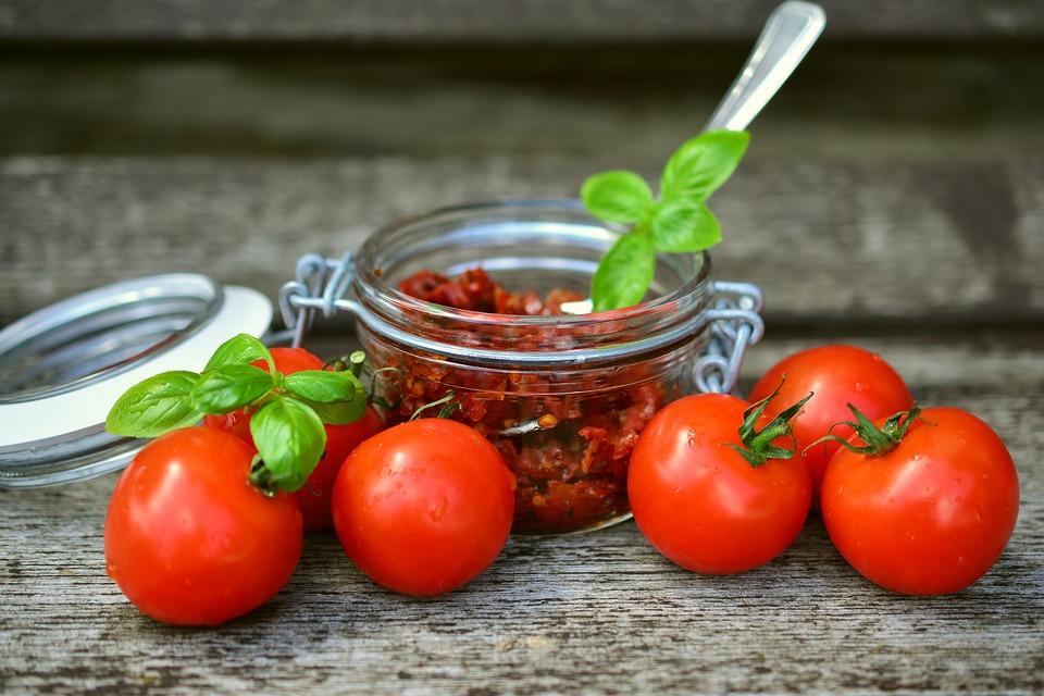 pomodori secchi ricetta pugliese - La Terra di Puglia